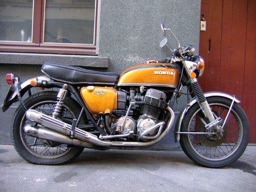 Universal Japanese Motorcycle - CB750